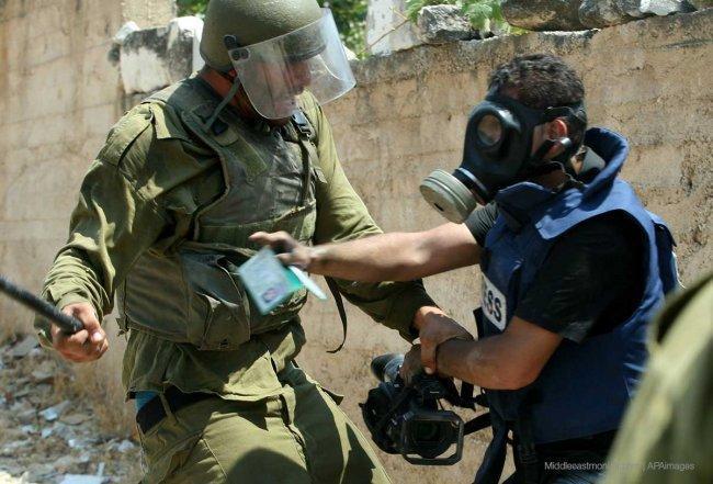 إصابة مصور تلفزيون فلسطين خلال قمع الاحتلال مسيرة كفر قدوم السلمية