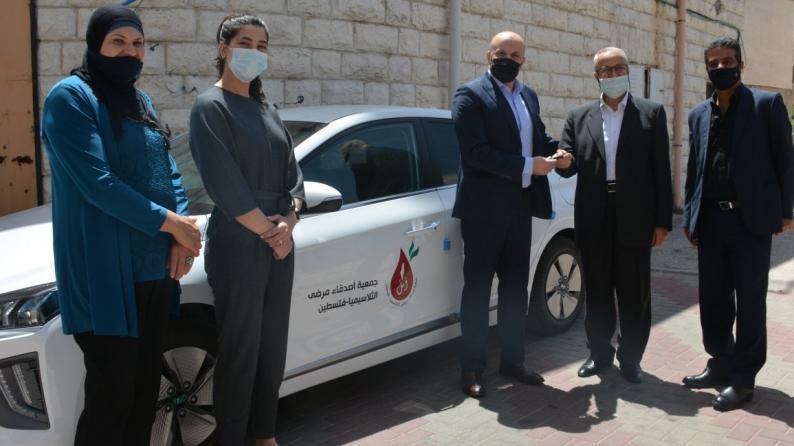 أيبك تقدم سيارة من نوع (Hyundai Ioniq) لجمعية أصدقاء مرضى الثلاسيميا لتعزيز امكانيتها في خدمة المرضى