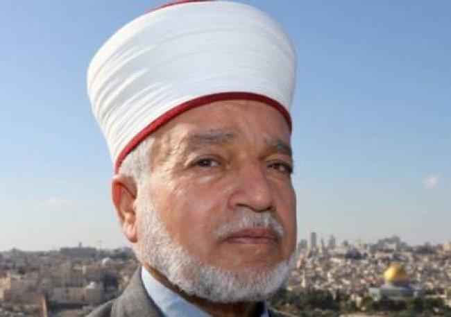 مفتي فلسطين يطالب بالتشبث بأرض الخان الأحمر