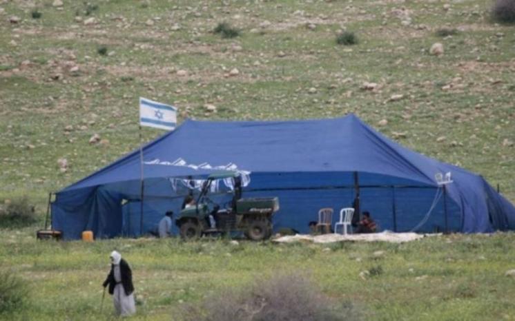 مستوطنون ينصبون خيمة ويسيجون أراض في الأغوار الشمالية