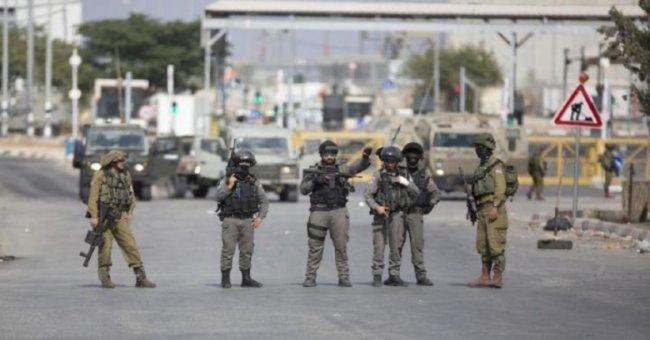 الاحتلال يغلق المدخل الجنوبي لبلدة الخضر