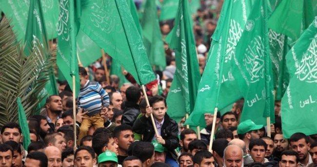 """حماس تدين استهداف سوريا وتؤكد أن """"إسرائيل العدو الرئيس للأمة"""""""