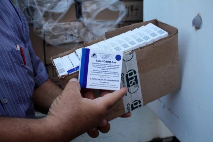 صحة غزة: اللقاحات المتوفرة آمنة وأي جرعة تصل يتم فحصها مباشرة
