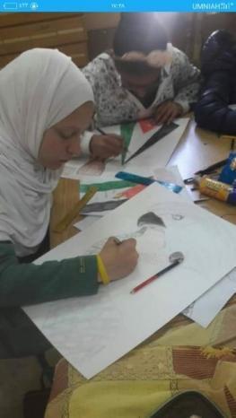 هيا سعدات.. طفلة فلسطينية تبدع في الرسم وتدعو للاهتمام بموهبتها