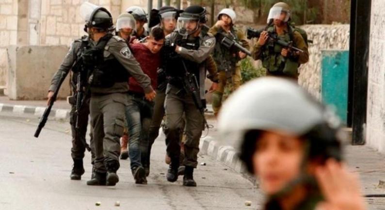 الاحتلال يعتقل ستة مواطنين بالخليل
