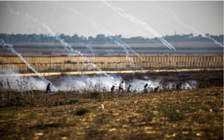 الاحتلال يستهدف المواطنين شرقي خان يونس