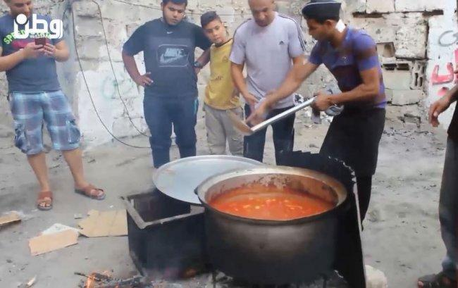 """فيديو  من """"الغلابة للغلابة"""" ملاذ فقراء غزة في الشهر الفضيل"""