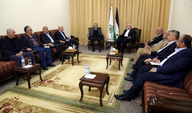 هنية يلتقي قيادة الجبهة الشعبية في غزة