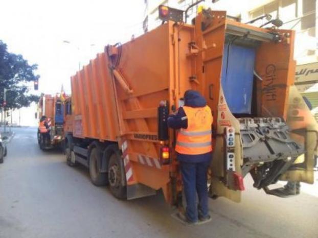 الاحتلال يستولي على شاحنة نفايات شرق نابلس