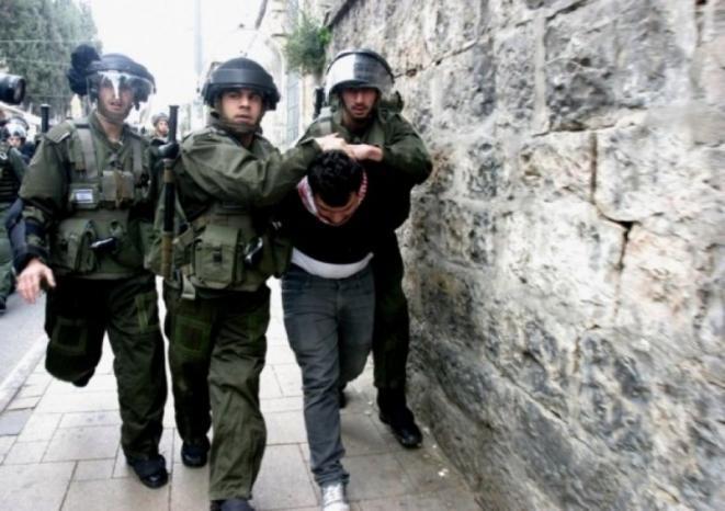 الاحتلال يعتقل شابين ويستدعي آخر من بيت لحم