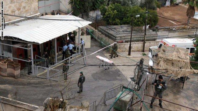 شاهد عيان حول شهيدة الخليل: الجنود أطلقوا النار عليها وسط صرخاتها: لا أحمل سكيناً