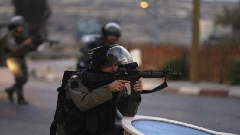 الاحتلال يعتقل شابا بزعم محاولته تنفيذ عملية طعن غرب رام الله