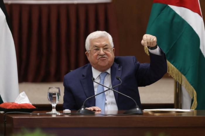 الرئيس عباس: نقول لأميركا وإسرائيل أننا سنبقى شوكة في عيونكم ولن نغادر وطننا