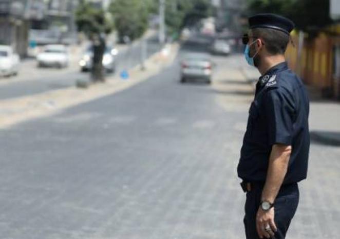 القبض على 30 مواطنًا خالفوا الحجر المنزلي في قطاع غزة
