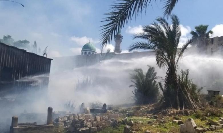 فيديو وصور   حريق كبير في مقبرة الاستقلال الإسلامية بمدينة حيفا، وترجيحات بأن مستوطنين نفذوا الجريمة