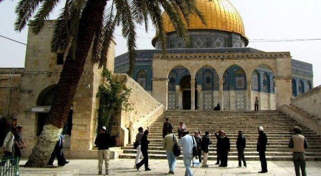 مستوطنون يقتحمون المسجد الاقصى