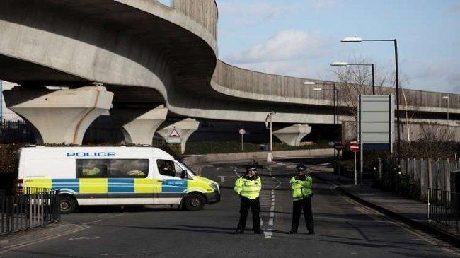 """الشرطة البريطانية تتعامل مع """"طرد مشبوه"""" في مقر البرلمان"""