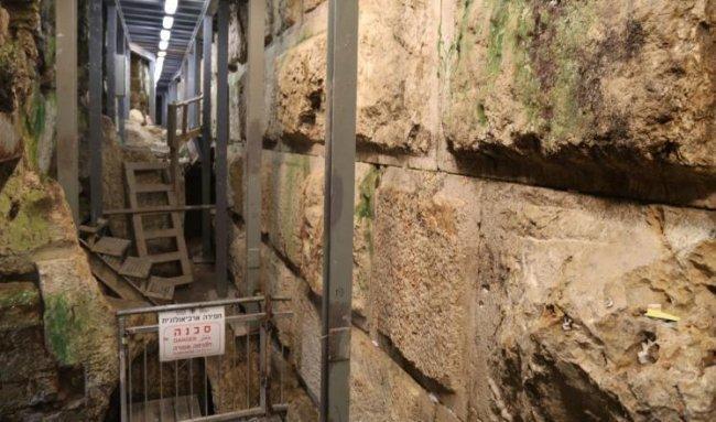 حفريات الاحتلال المتواصلة في القدس تلحق أضرارًا بمبنى إسلامي قديم جدا