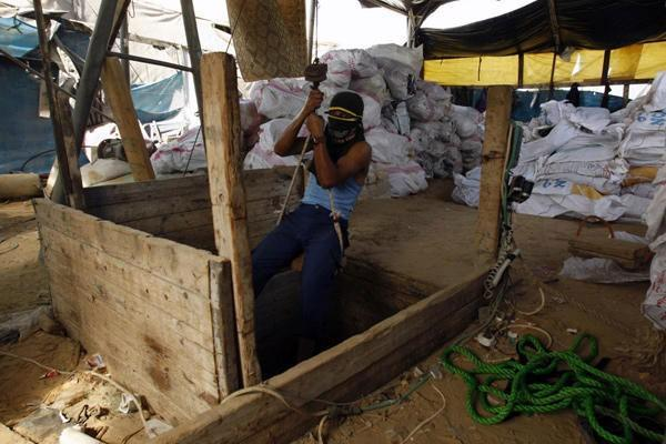 تقرير حقوقي: نسبة الفقر 39% والبطالة 40% جراء حصار غزة
