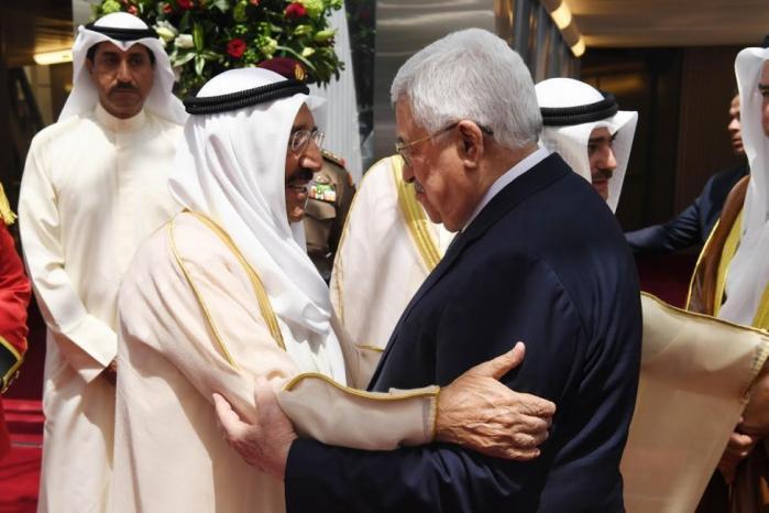 الرئيس ينعى أمير دولة الكويت ويعلن الحداد وتنكيس الاعلام