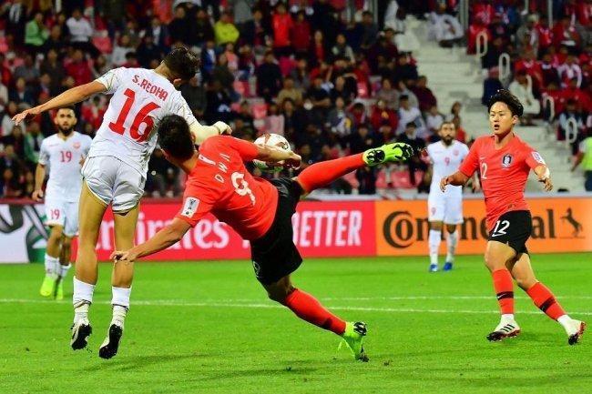 كوريا الجنوبية تعبر البحرين إلى ربع نهائي كأس آسيا