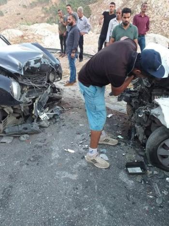 """مصرع طفل ووالده وإصابة 12 آخرين بحادث سير في منطقة """"الباذان"""" بنابلس"""
