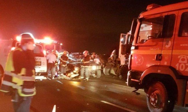 مقتل جنديين من جيش الاحتلال وإصابة 8 آخرين في حادث سير