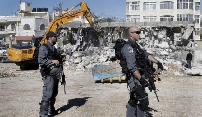 فيديو| الاحتلال يهدم 4 منازل قيد الإنشاء في أم الفحم