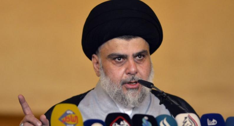 الصدر يطالب بغلق القواعد الأمريكية في العراق