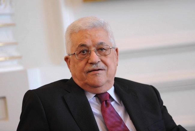 فرنسا ترحب بالرئيس الفلسطيني في مؤتمر باريس للسلام