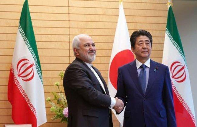رئيس الوزراء الياباني يصل إلى طهران