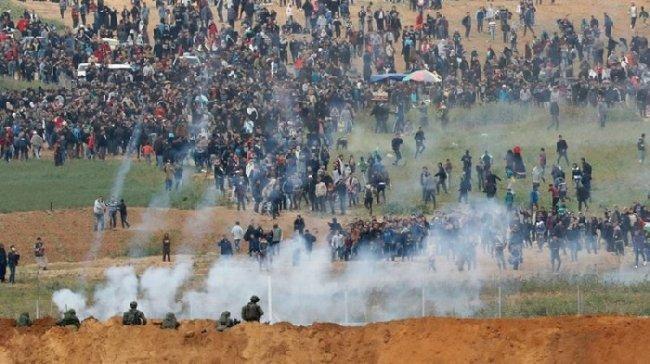 """ما حقيقة الغاز """"المجهول"""" الذي يستخدمه الاحتلال على حدود غزة؟"""