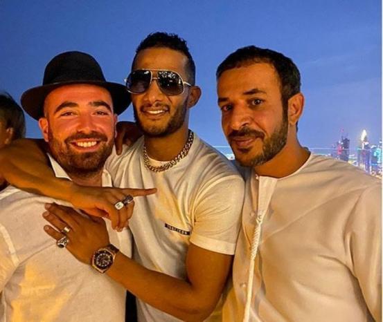 """صورة محمد رمضان والمغني الإسرائيلي أومير أدام.. صناعة النجوم في أقذر المهام """"التطبيع"""""""