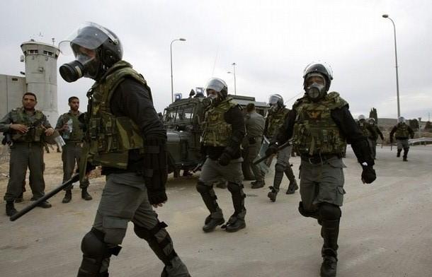 قوات القمع تقتحم قسم 21 في النقب