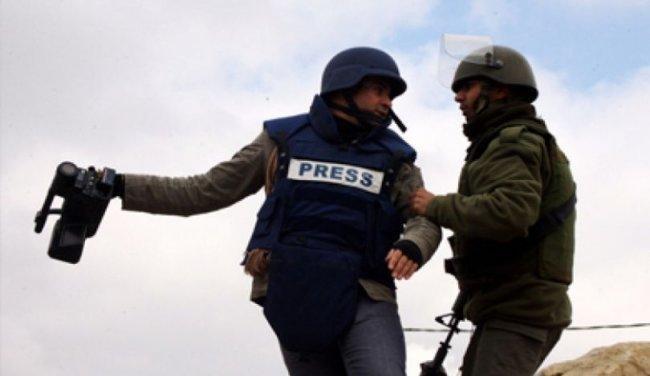 """""""الإعلام"""": 19 صحفياً في سجون الاحتلال بينهم 3 صحفيات"""