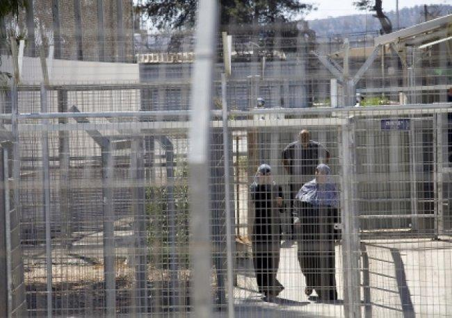 ادارة السجون تفرض عقوبات قاسية على الأسيرات في الدامون