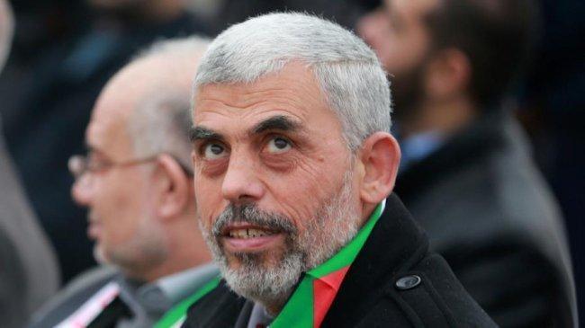 السنوار: بعثنا رسائل للاحتلال اننا لن نتوانى عن استخدام القوة اذا استمر الحصار