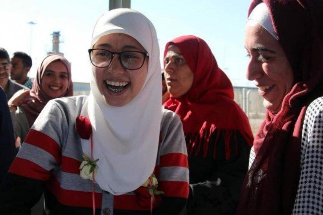 المحررة علا مرشود لـوطن: السجن قهر ونضطر للنوم بالحجاب بسبب اجراءات الاحتلال