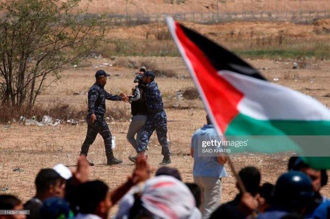 صور.. قوات الضبط الميداني التابعة لحماس تمنع المتظاهرين من الاقتراب نحو السياج