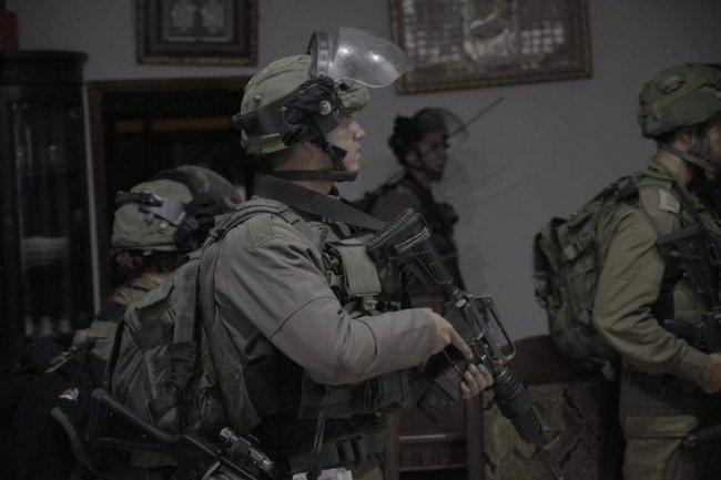 """الاحتلال يعتقل ابنة خال منفذ عملية """"بركان"""""""