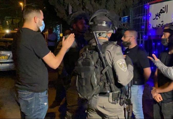 محدّث  إصابة 10 مواطنين واعتقال اثنين خلال قمع الاحتلال المعتصمين في حي الشيخ جراح