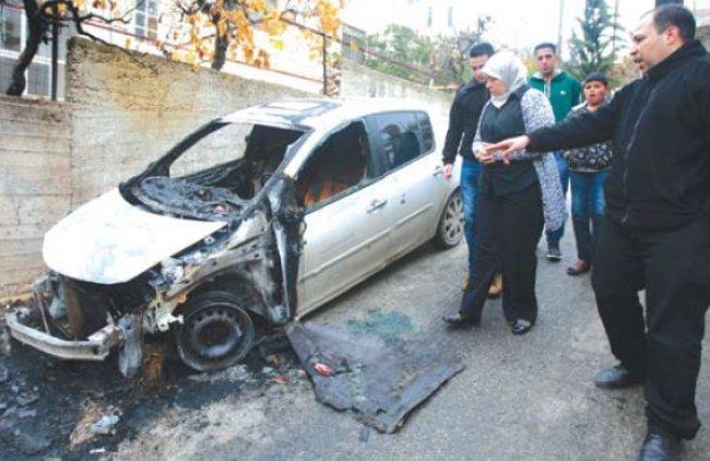 نابلس: مستوطنون يحرقون سيارتين في عوريف