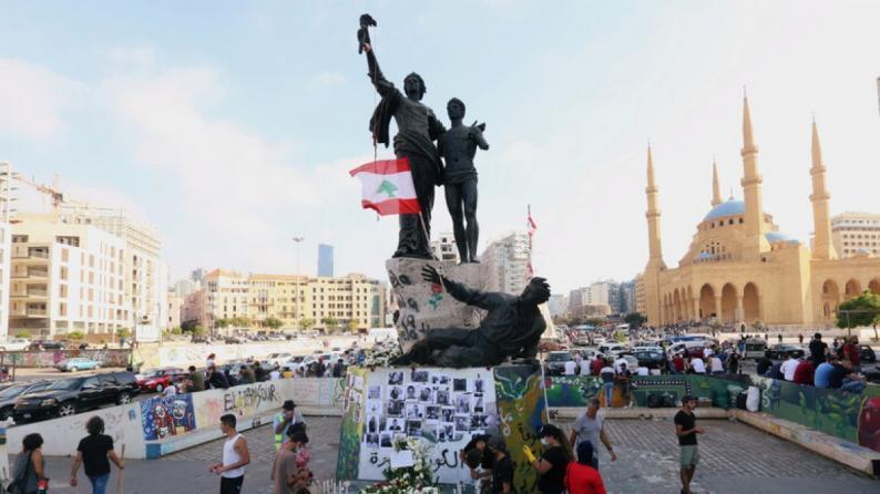 من قلب الدمار.. لبنانيون غاضبون يستعدون لتظاهرة في بيروت