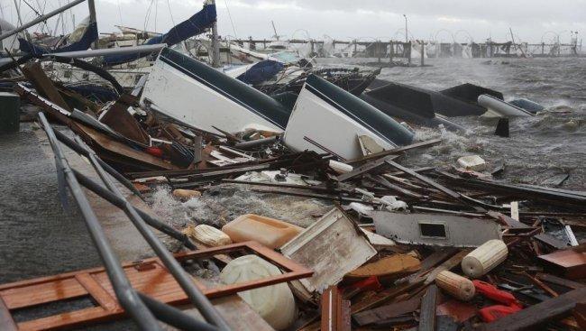 الإعصار مايكل يضرب فلوريدا برياح تصل سرعتها إلى 250 كيلومتر في الساعة