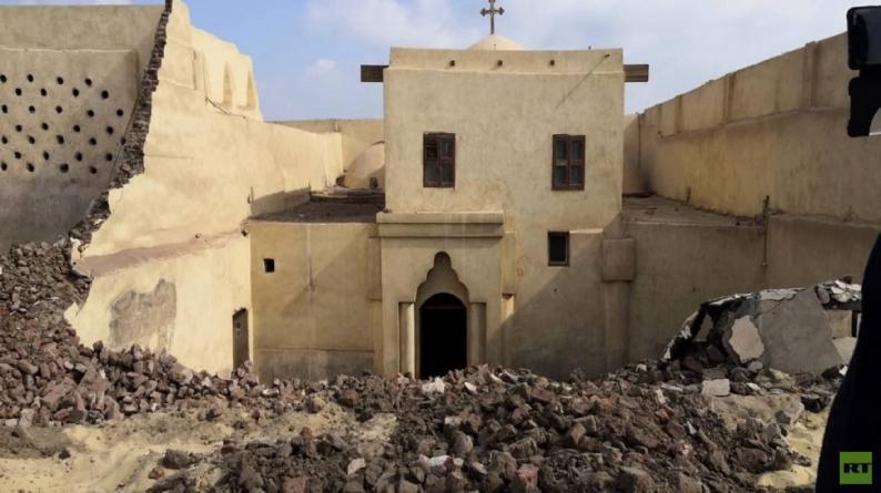 مصرع 3 أشخاص بانهيار جدار كنيسة أثرية في مصر