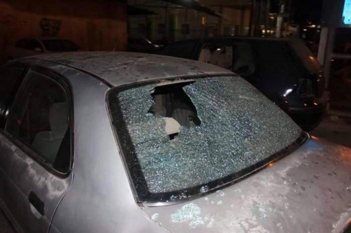 مستوطنون يعتدون على مركبات مواطنين في نابلس