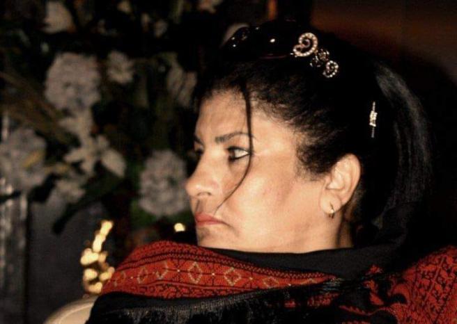 الموت يغيب الإعلامية الفلسطينية سامية فارس