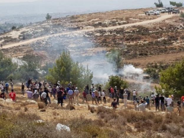 إصابات جراء قمع الاحتلال المتظاهرين في جبل الريسان