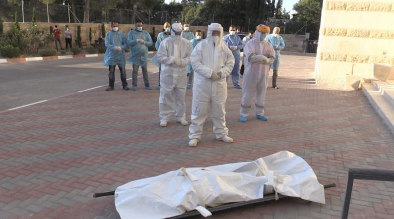 وفاة مواطن سبعيني من مخيم الفوار بفيروس كورونا
