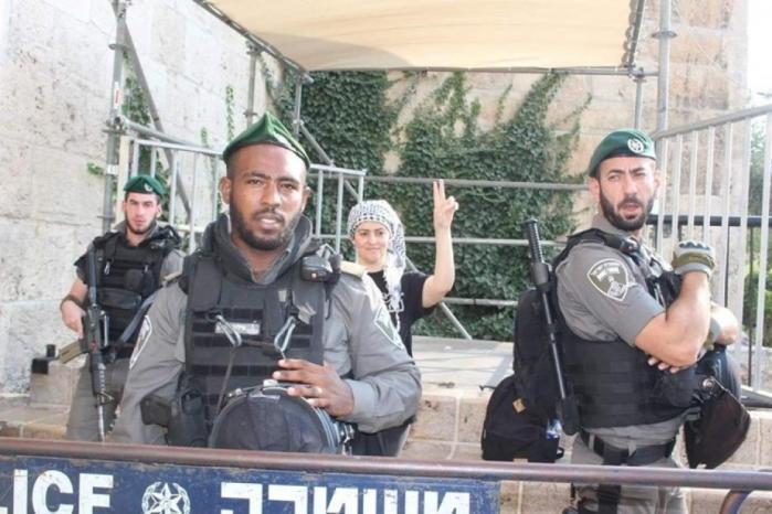 """بقرار من شرطة الاحتلال.. الصحفية """"صابرين دياب"""" قيد الإقامة الجبرية"""